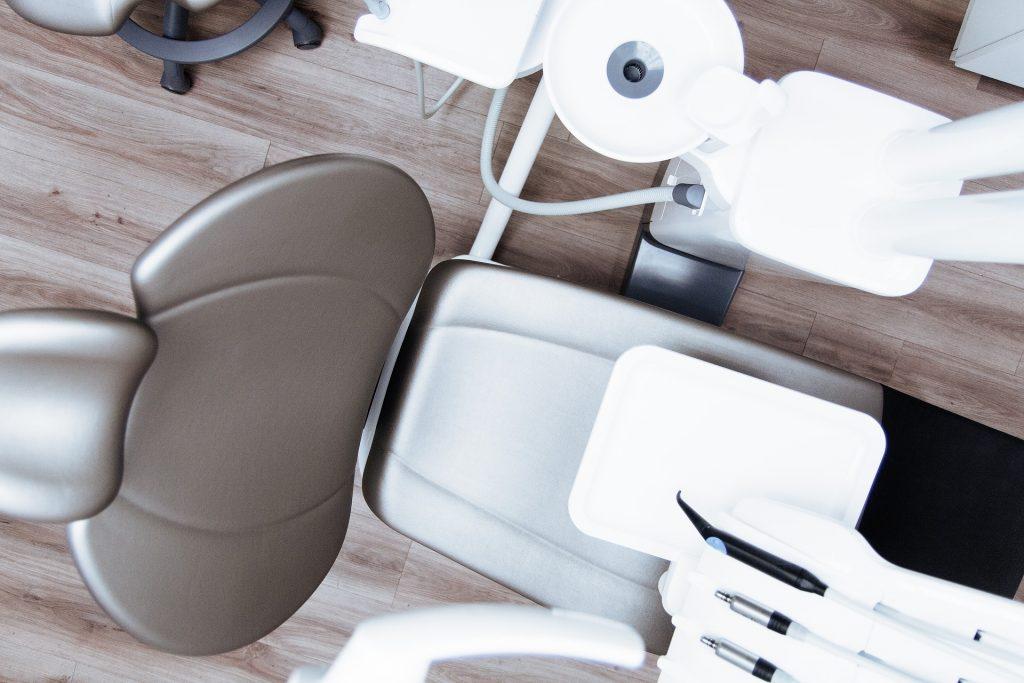 銀歯以外の選択肢について